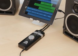 ONE-iPad-Gband-Speakers