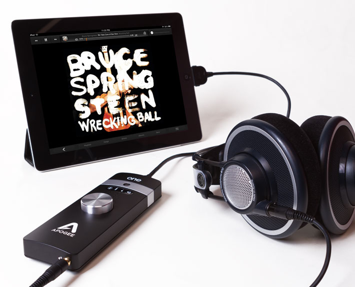 ONE-iPad-Headphones-DAC