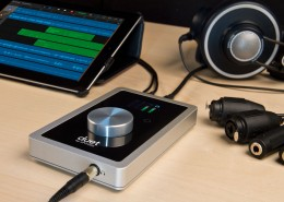 duet2.5-34-iPad-Cables-desk