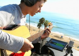 MiC-iPad-GarageBand-Beach-Fletcher-800
