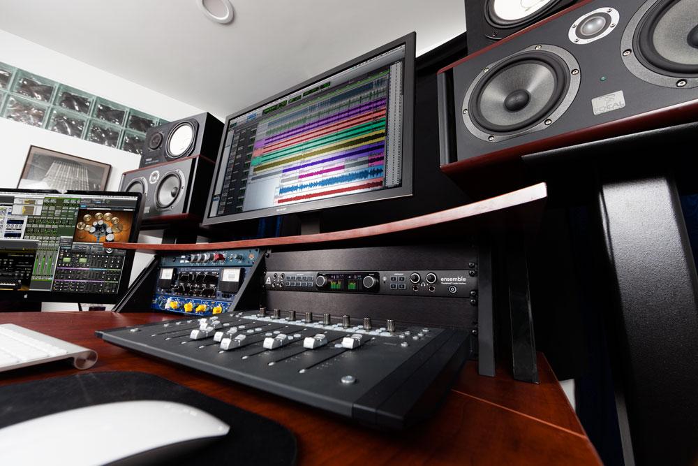 ensemble thunderbolt audio interface apogee electronics. Black Bedroom Furniture Sets. Home Design Ideas